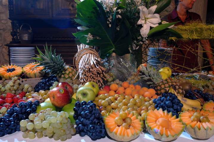 Composition d'un buffet de fruits